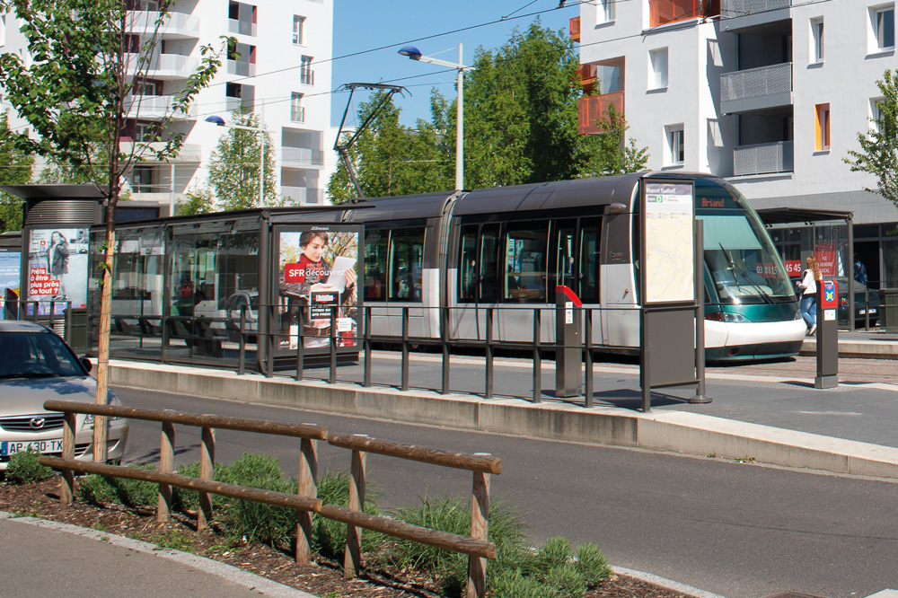 Tram aux Poteries à Strasbourg