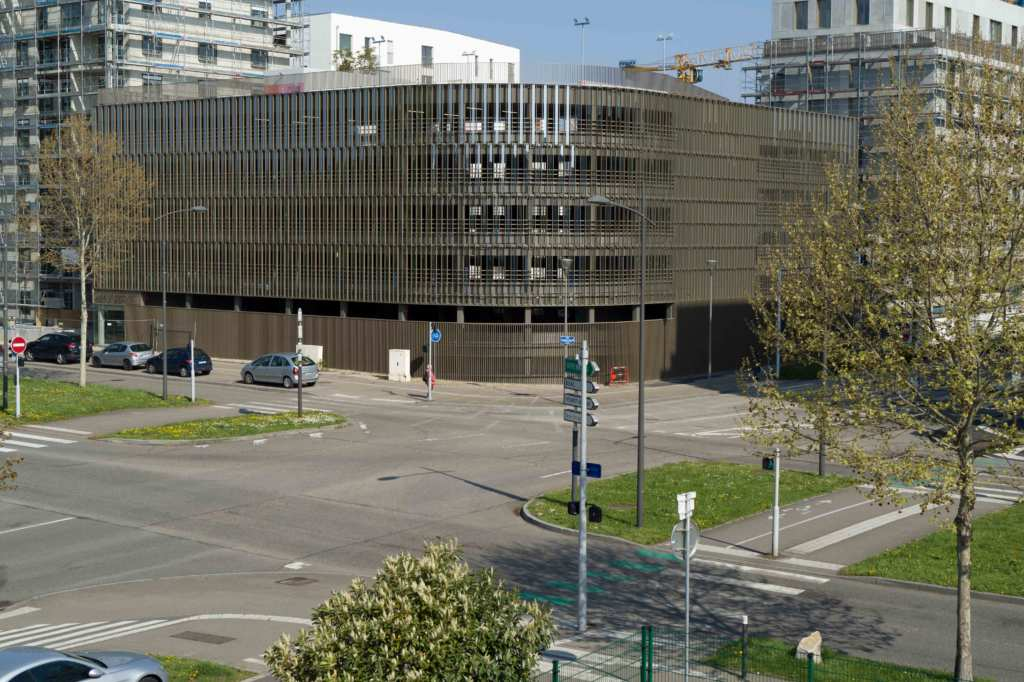 vue sur le parking du Danube