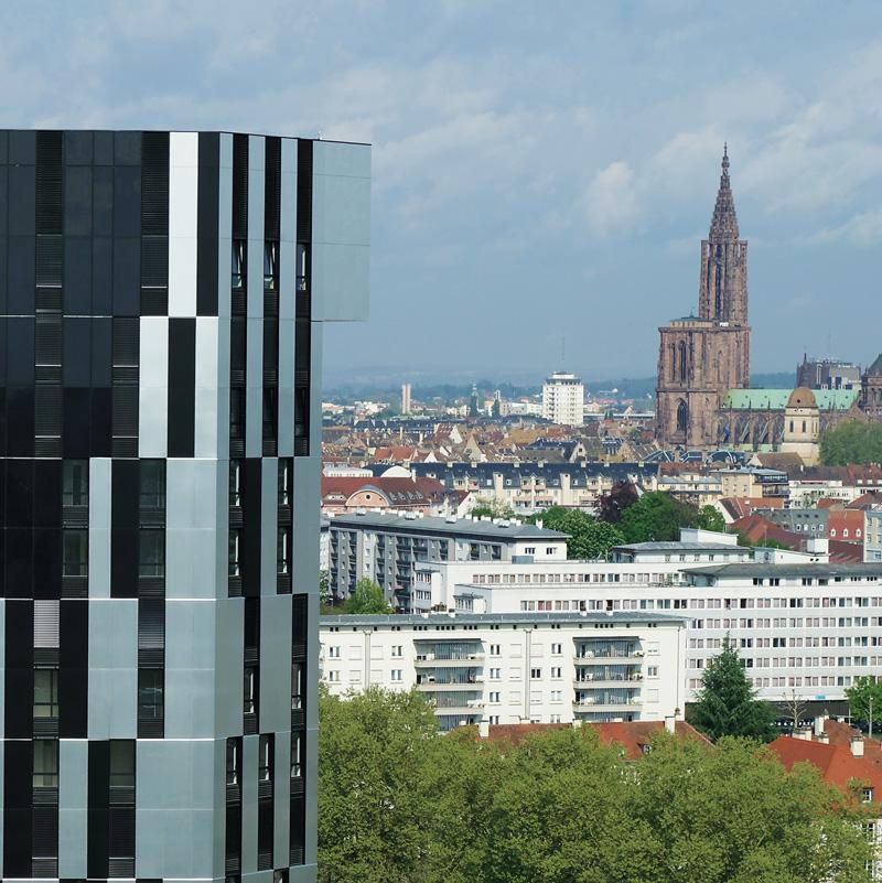Immeuble et cathédrale de Strasbourg