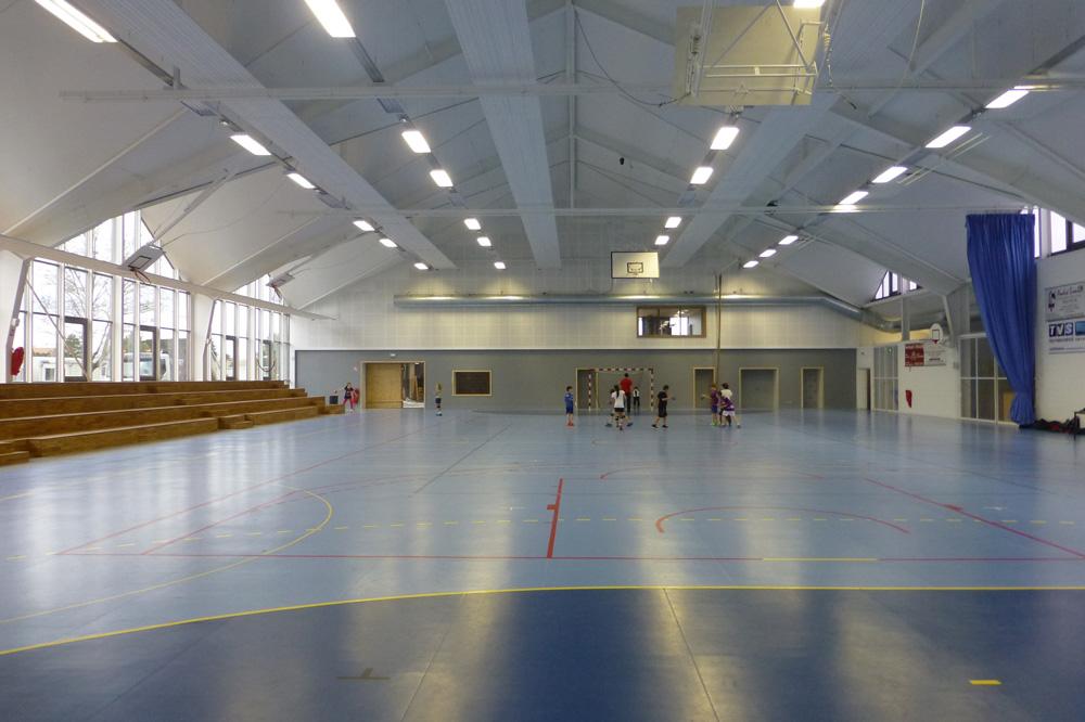 Intérieur du complexe sportif à Marckolsheim